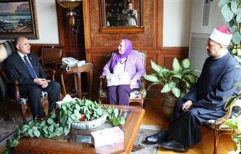 """وزير الري يناشد الإذاعة و""""الأوقاف"""" و""""الإفتاء"""" توعية المصريين بترشيد استخدام المياه والحفاظ على نهر النيل"""