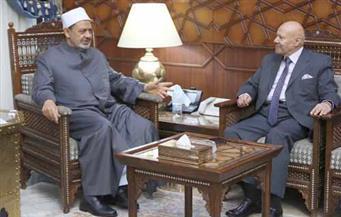 الإمام الأكبر: نقدر دور النيابة الإدارية في مكافحة الفساد المالي والإداري