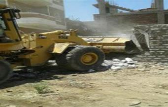 بالصور.. إزالة 20 حالة تعدٍ بالبناء على نهر النيل في قريتين بالأقصر