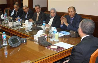 وزير الري يستعرض سجلات حصر الأراضي الزراعية والمناطق الحضرية مع رئيس هيئة المساحة
