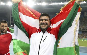 ذهبية رمي المطرقة للطاجكستاني نازاروف