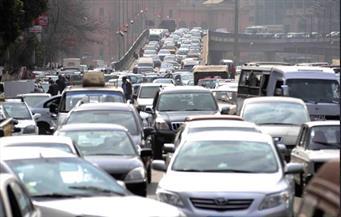 سيارة كيماويات تتسبب بشلل مروري بالطريق الدائري اتجاه ميدان لبنان