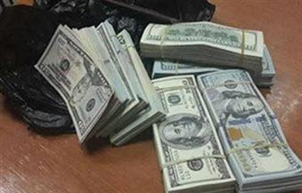مباحث الإسكندرية تضبط عاطلاً يقوم بالاتجار بالعملات الأجنبية بالسوق السوداء