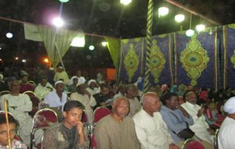 """بالصور.. أهالي دراو يشاركون في المؤتمر الثاني لـ""""توعية الجماهير بمراكز خدمة المواطنين"""""""