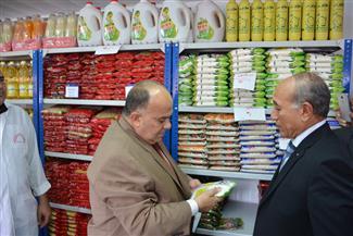 محافظ الدقهلية يفتتح أسواق المحروسة للمواد الغذائية واللحوم والفواكه بشارع الترعة