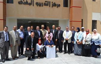 """بالصور..قائد المنطقة الشمالية يستقبل وفدا من جامعة الإسكندرية لبحث المشاركة في مشروع  تنمية """"غيط العنب"""""""