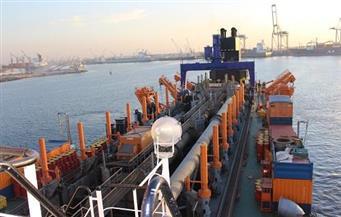 تصدير 1765 طن رمل من ميناء دمياط