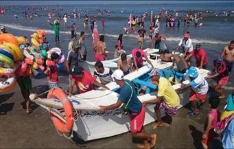 انقاذ 37 مواطنا من الغرق بشواطئ رأس البر