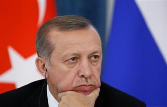 كاتب بريطاني: أردوغان يجازف بالقتال على ثلاث جبهات