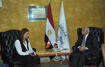 وزير النقل يلتقي سفير لاتفيا بالقاهرة لبحث التعاون في مجال السكك الحديدية
