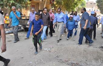 بالصور.. محافظ أسيوط يتفقد مشروعات مياه الشرب والصرف الصحي بمنطقة الوليدية