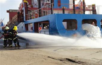 مناورة تدريبية على الإطفاء فى هيئة ميناء دمياط