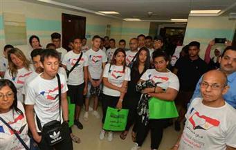 بالصور.. 100 شاب وفتاة من أبناء الجالية المصرية في فرنسا يزورون مستشفى شفاء لمرضى السرطان بالأقصر