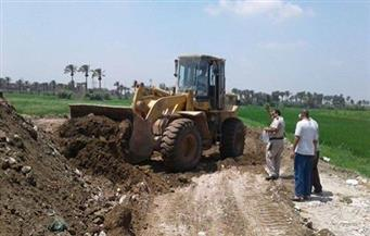 إزالة تعديات على أراضي أملاك الدولة بمساحة 70 فدانًا بمركز أبنوب