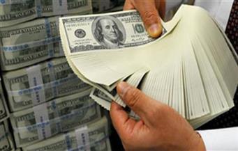 """مستثمرون: إلغاء الصرافة """"كلام فارغ"""".. ويسمح بتداول """"الدولار"""" في """"أكشاك السجائر"""" وتزيد حدة المضاربة عليه"""