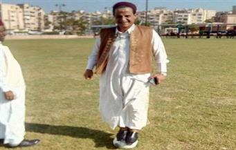 """على طريقة رمضان صبحي.. نائب مطروح """"يقف على الكرة"""" بالزي البدوي"""