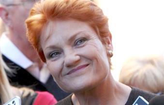 """رئيسة حزب """"أمة واحدة""""  المعادي للإسلام  تحذر من وقوع أستراليا تحت حكم الشريعة الإسلامية"""
