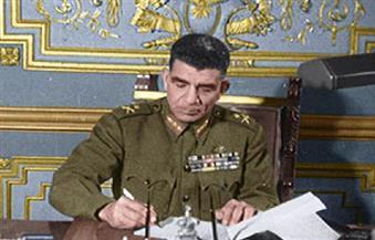 """الرئيس محمد نجيب """"الديكتاتور الطيب"""".. مآساة الإنسان المحبوب عندما يصل للحكم"""