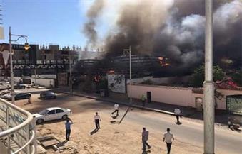 بالصور.. السيطرة على حريق هائل فى شاطئ خاص وناد صحى بالغردقة
