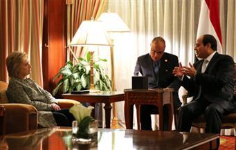 السيسي وهيلاري كلينتون بحثا مكافحة الإرهاب والتنمية الاقتصادية في مصر