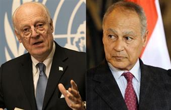 أبو الغيط يبحث مع دي مستورا الأزمة السورية