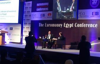 خبراء: البيروقراطية والشباك الواحد وسعر الصرف وراء عدم تنفيذ أجندة المؤتمرات الاقتصادية بمصر