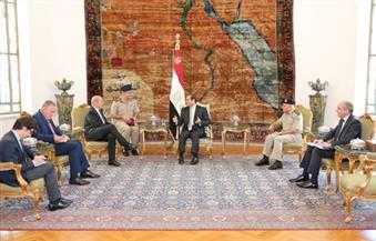 وزير الدفاع الفرنسي للسيسي: مصر أهم شركاء فرنسا بالشرق الأوسط والبحر المتوسط وندعم دورها المحوري بالمنطقة