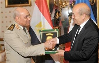 وزيرا دفاع مصر وفرنسا يبحثان تدعيم علاقات التعاون العسكري ويتفقدان عددًا من الوحدات البحرية