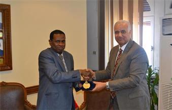 بالصور.. جامعة الإسكندرية تستقبل السفير التنزاني لبحث التعاون العلمي