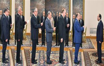 بالصور.. الرئيس يشهد أداء اليمين الدستورية من قبل وزير التموين وستة محافظين جدد