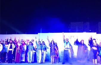 """بالصور.. في ختام مهرجان الفنون الشعبية.. العالم يرقص ويغني في الإسماعيلية على أنغام """"رسالة سلام"""""""