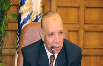محافظ القاهرة يسلم الشهادات للعاملين بشارع الألفي بعد اجتيازهم الدورة التدريبية