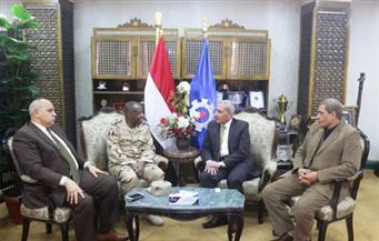 بالصور.. محافظ السويس يستقبل رئيس أركان قوات الدفاع الشعبي والعسكري