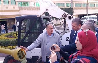 """بالصور.. """"محافظ كفرالشيخ"""" يتفقد المعدات المتهالكة بعد إصلاحها بالورشة المركزية ودخولها الخدمة"""