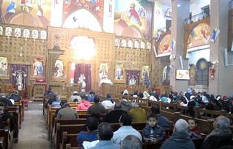 بالصور.. أقباط أسوان يحتفلون بعيد الغطاس داخل الكنائس