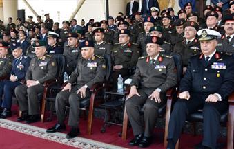 القائد العام يشهد الاحتفال بانتهاء الإعداد العسكري لطلبة الكليات العسكرية دفعة المشير محمد عبدالحليم أبوغزالة
