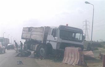 توقف حركة المرور على الطريق الدائري بسبب انقلاب حمولة سيارة نقل
