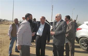 """بالصور.. محافظ أسوان يشدد على إنهاء المرحلة الأولى من مصرف """"النواز"""" بقرية أبو سمبل"""
