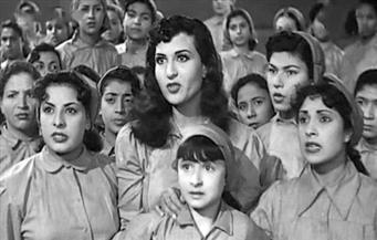 ٤ بنات وضابط فى احتفال المتخصصة  بعيد الشرطة وذكرى 25 يناير