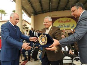 درع جامعة المنيا تكريمًا لرجال الشرطة في عيدهم الـ 65