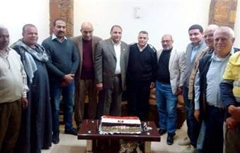 """بالصور.. """"منجم السكرى"""" يهدى نظام كاميرات مراقبة لقسم مرسى علم بمناسبة عيد الشرطة"""