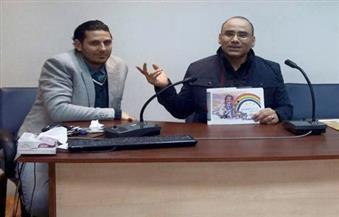 """بالصور: عمرو فهمي خلال توقيع """"في الصميم"""": تأريخ لما بعد ثورة 30 يونيو"""