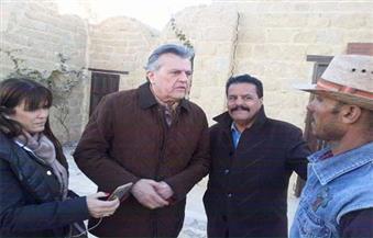 """بالصور.. سفيران ووفد أمريكي يزورون آثار """"تونا الجبل"""" في المنيا"""
