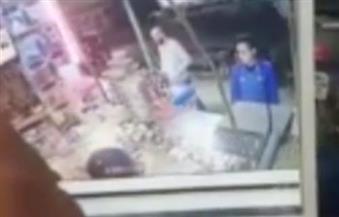 """بالفيديو.. """"أمن الإسكندرية"""" يفرغ كاميرات المراقبة في حادث صاحب محل خمور"""