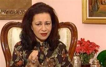 """""""أسرار الملكة فريدة وقصة حب عبدالحليم المستحيلة"""".. تكشفها لوتس عبدالكريم"""