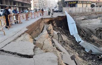 بالصور.. محافظ الفيوم يتفقد موقع الهبوط الأرضي بموقف السيارات.. ويُشكل لجنة لمعرفة الأسباب