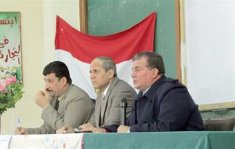 """""""عبدالمنعم"""" يبحث تعليمات إجراء امتحانات الشهادة الابتدائية مع رؤساء اللجان بالفيوم"""