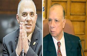 وزير الرى ومحافظ القاهرة يناقشان تطوير مسطح النيل والتوسع في تجربة الزراعة بالمدارس