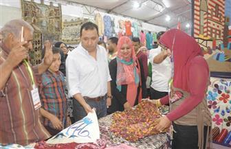 افتتاح منفذ لبيع المشغولات اليدوية خاص بفتيات من الصم والبكم بالأقصر| صور