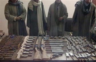 ضبط 4 متهمين بحيازة أسلحة نارية و30 قضية تموينية في حملة أمنية بالفيوم